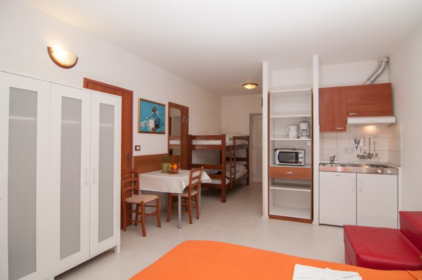 Studio Apartment Liburnija for 4 persons